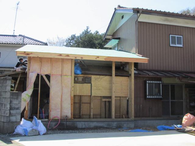 屋根嵩上げ工事増築工事中