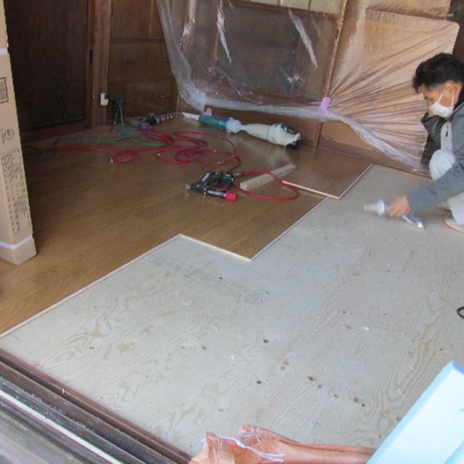 畳からフローリングに改修工事写真02