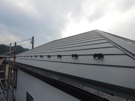 飯能市飯能 屋根施工中ガルバリウム重ね貼り2